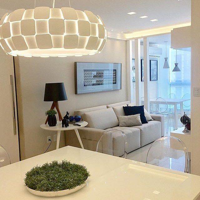 """75 Likes, 3 Comments - 📋 Projetos Arquitetônicos (@archiilovee) on Instagram: """"⚪Linda mesa de jantar. Um espetáculo 😍💟🌸 @iarakilaris  #designdeinteriores #interiores #design…"""""""