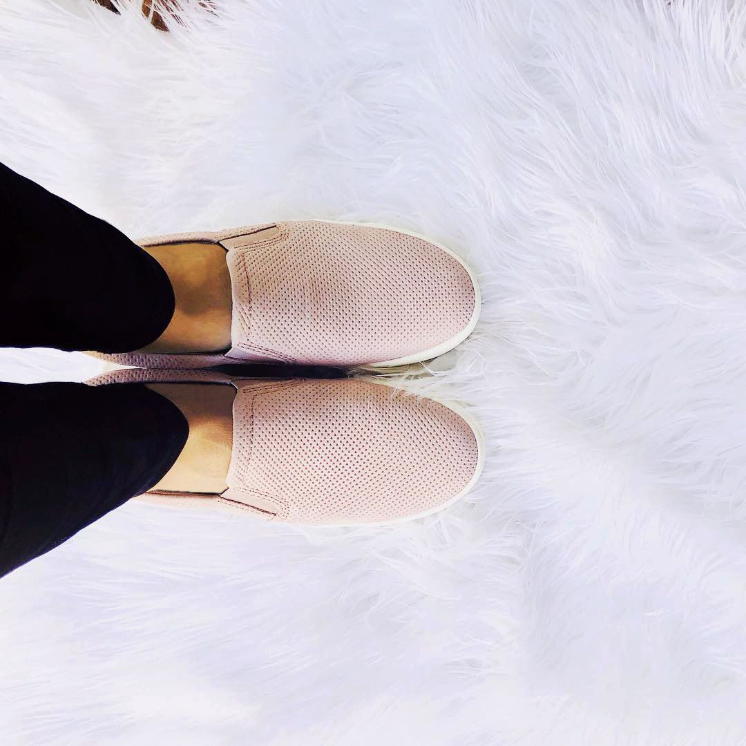 Slip into the most versatile sneaker in town, our MARIANNE. PC: styledby.