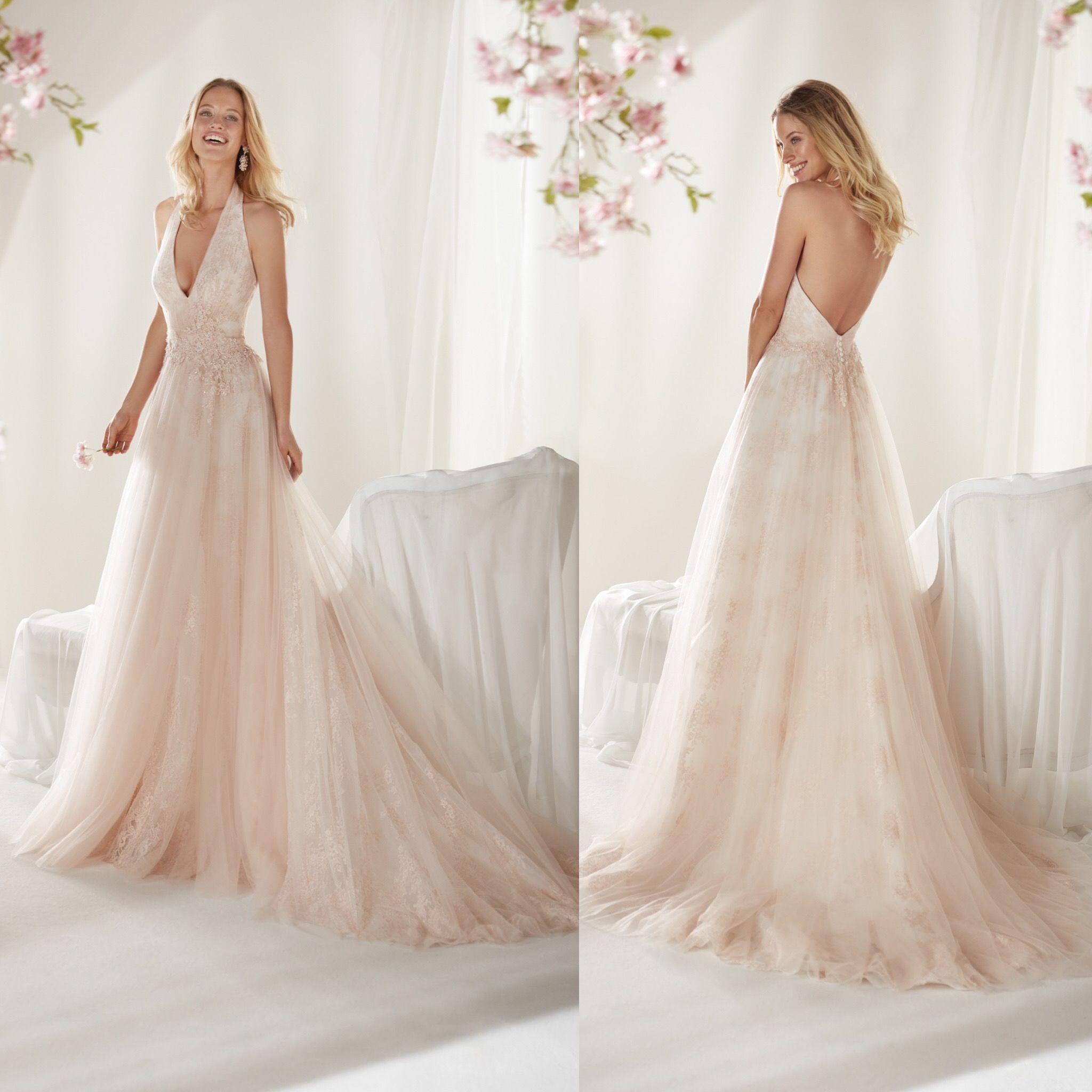 Vestiti Da Sposa Rosa Antico.Raffinatissimo Abito Scivolato In Tulle E Pizzo Di Colore Rosa