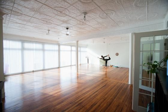Breathing Room Yoga For You New Haven Ct 06510 Yoga Room Yoga For You Ceiling Lights