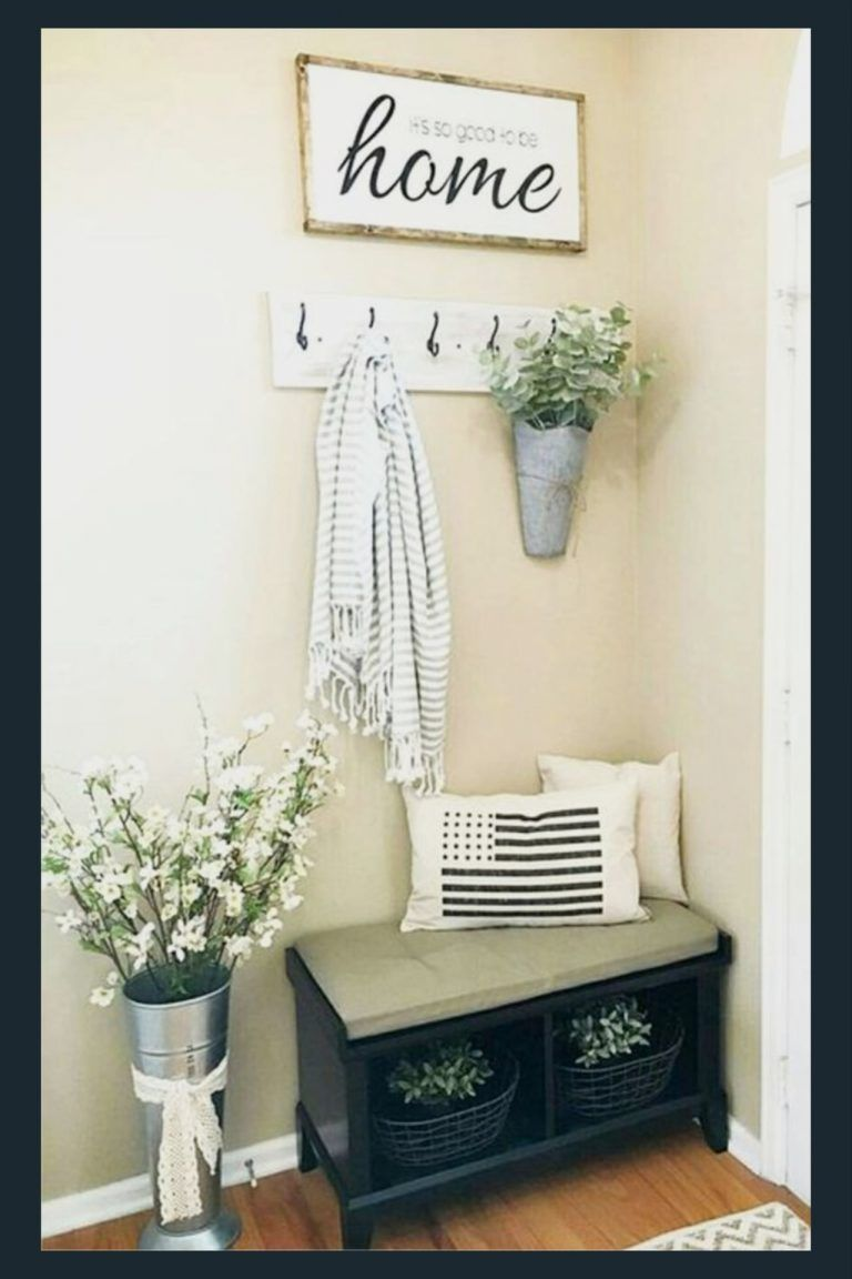 DIY Foyer Decorating Ideas For Small Foyers and Apartment Entryways - Clever DIY Ideas