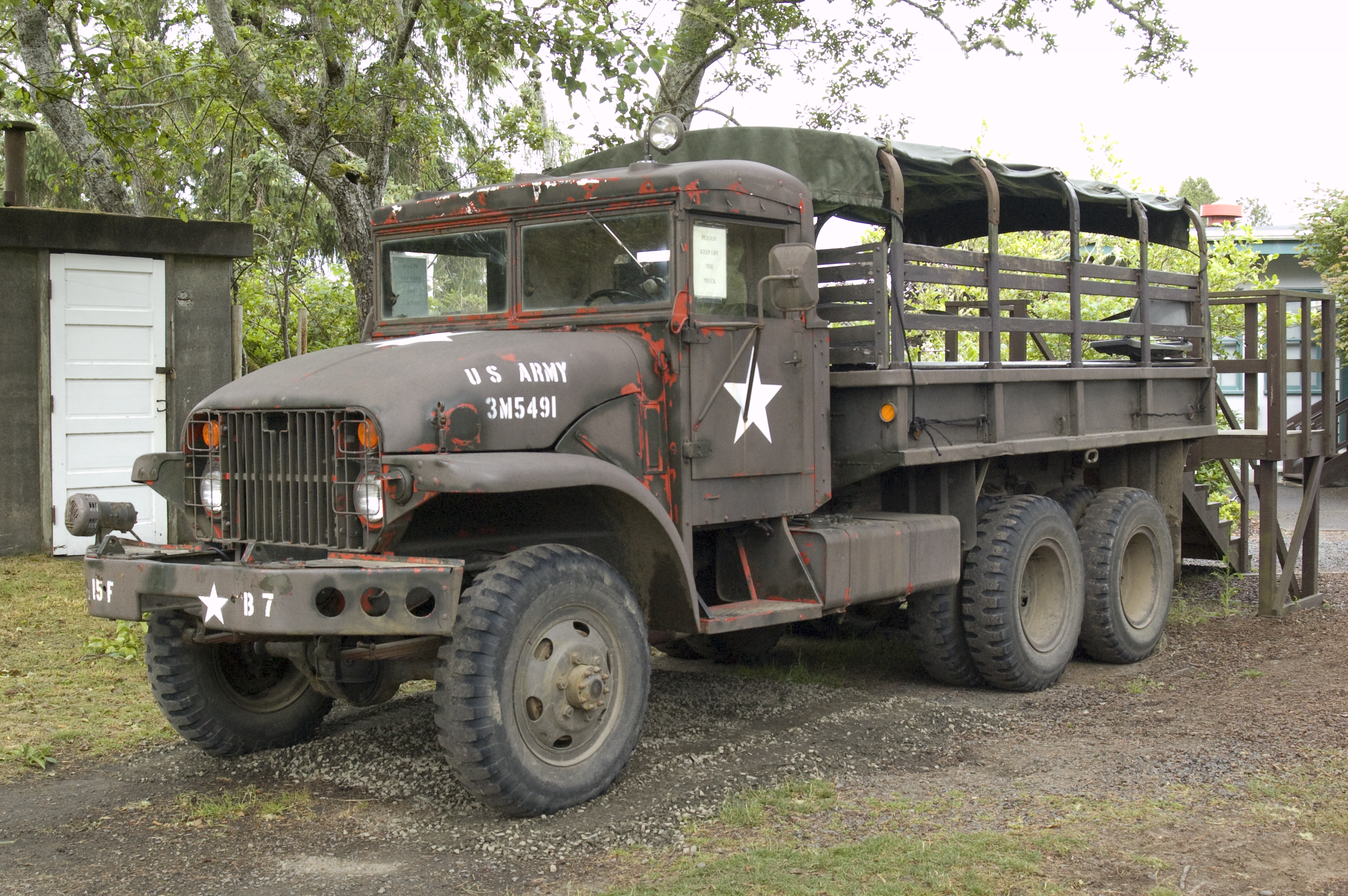 old military truck random things that catch my eye pinterest militaires v hicules. Black Bedroom Furniture Sets. Home Design Ideas