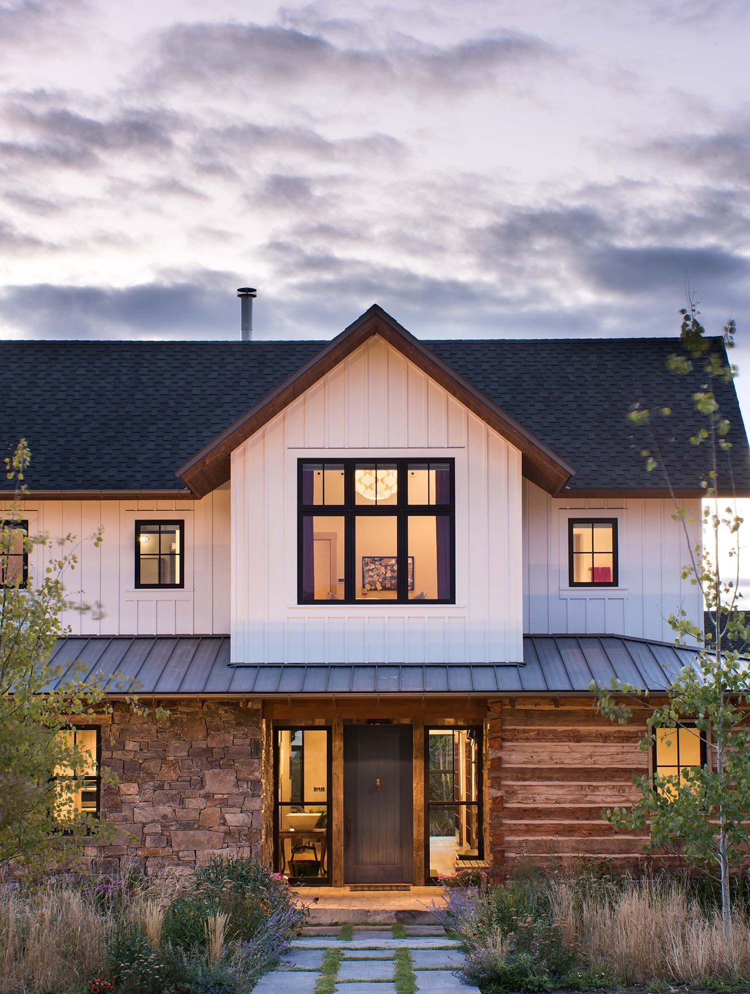 Farmhouse Style Residence Embraces Warm And Inviting Design In Montana Modern Farmhouse Exterior House Exterior Farmhouse Design