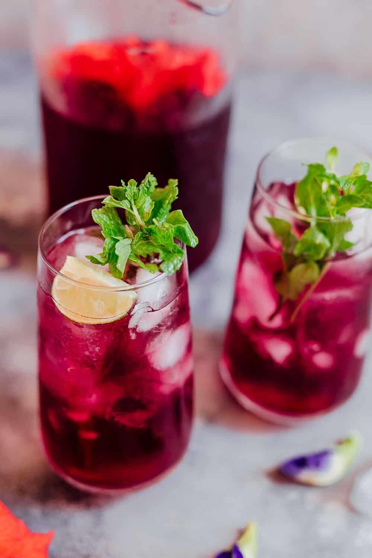 How To Make Hibiscus Tea Its Benefits Recipe Iced Tea Recipes Hibiscus Tea Tea Recipes