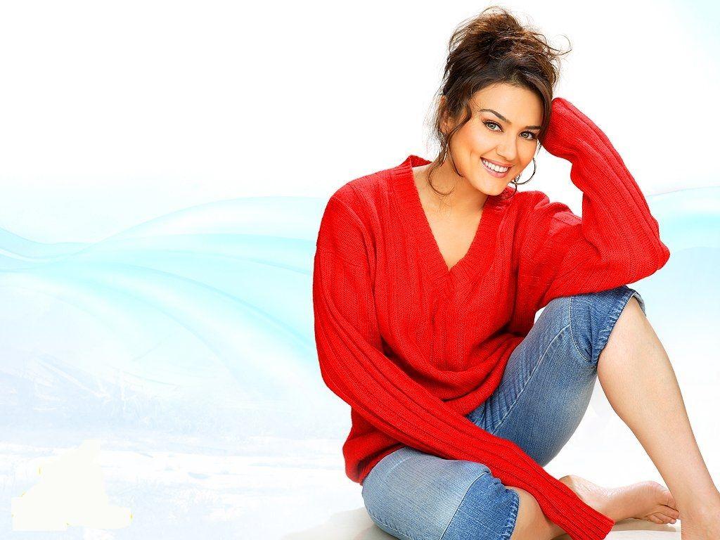 خمسة نصائح للعناية بالبشرة من الجميلة الهندية بريتي زينتا إليك Fashion Style Pullover