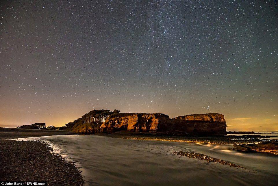 Stunning Images Show Shooting Stars Over Devon Meteor Shower