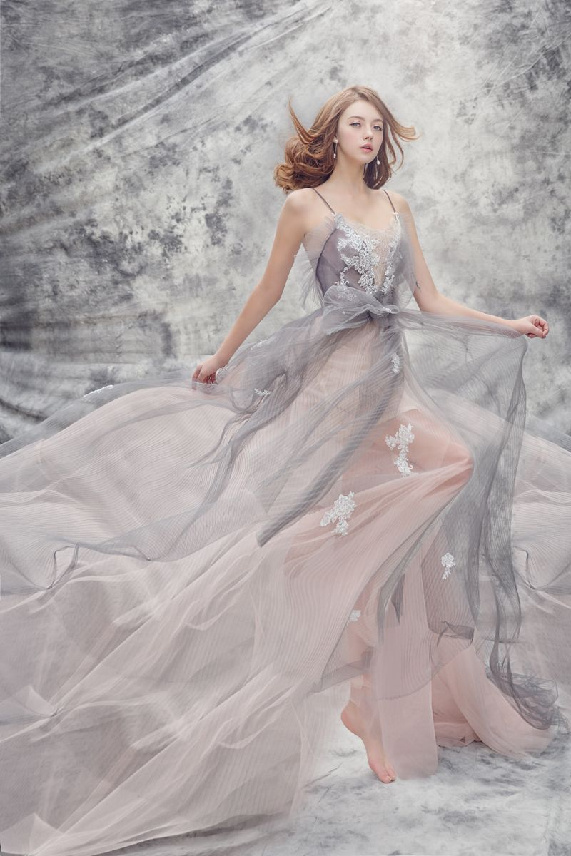 19 Magical Wedding Gowns For the Winter Fairy Tale Bride ...