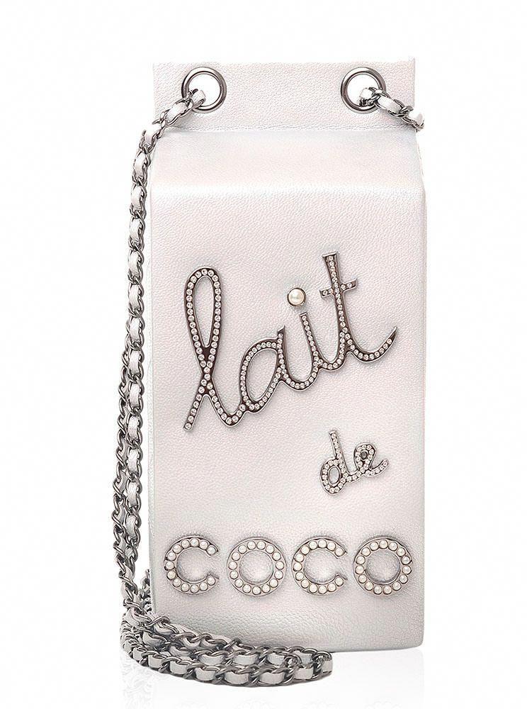 Chanel-Lait-de-Coco-Milk-Carton-Bag  Chanelhandbags  4450a707e