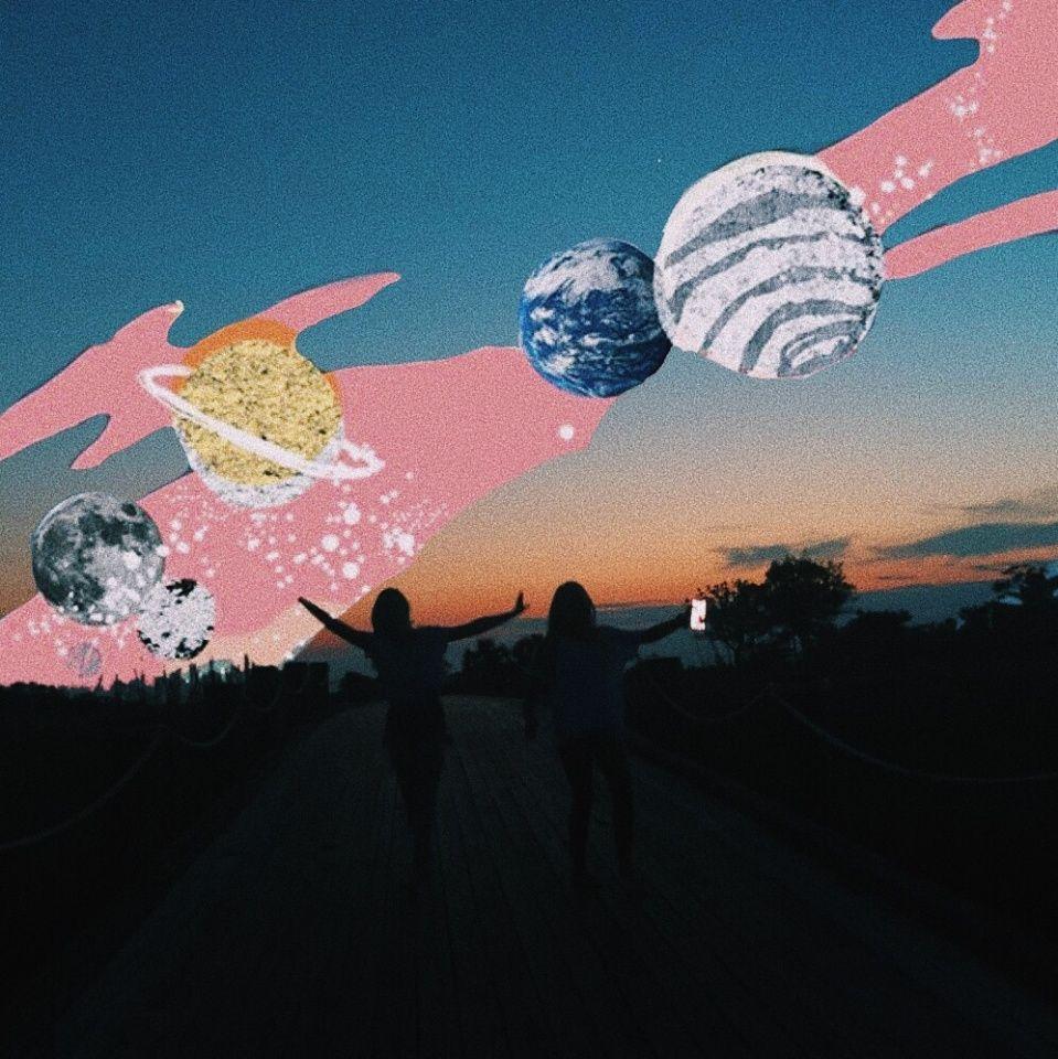 Groovy Aesthetic Wallpaper Exploring Mars