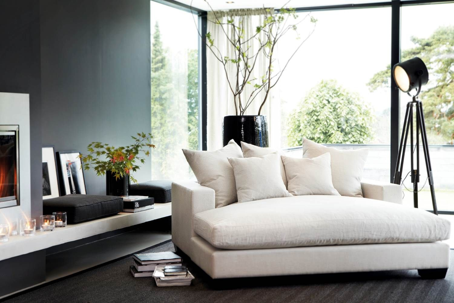 White daybed by Slettvoll...maybe when the kids move out! | INTERIOR ...