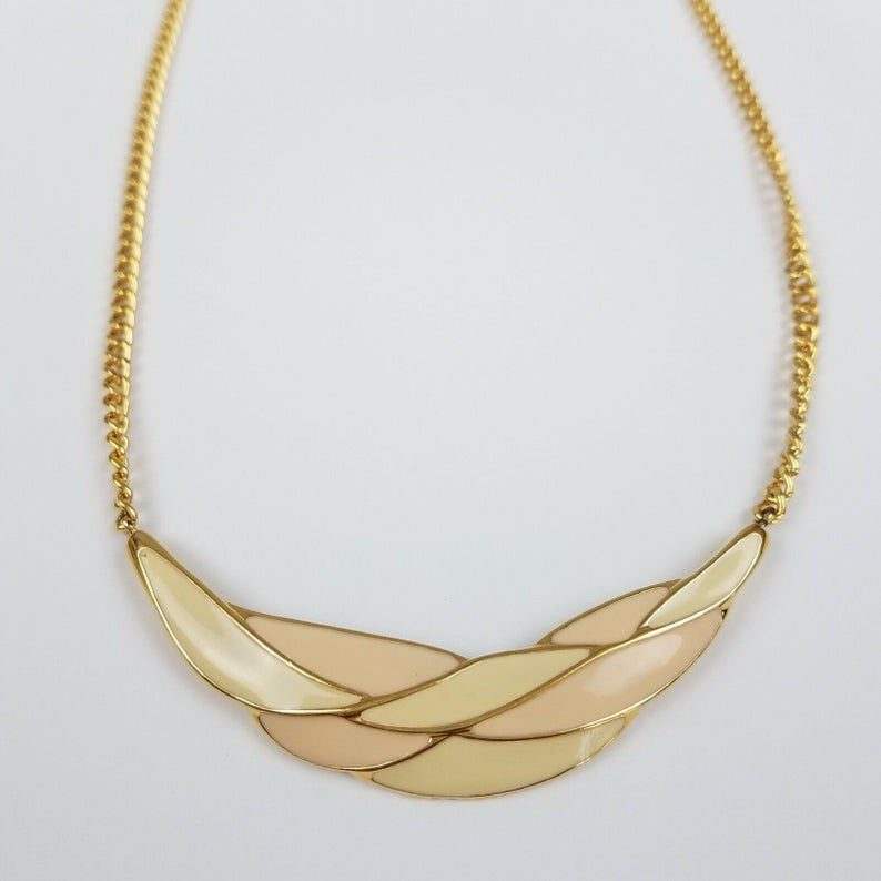 1950/'s cream enamel painted chain necklace