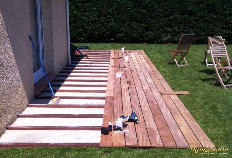 terrasse en afrormosia avec integration de spots LED Mini Piscine - pose dalle terrasse sur beton