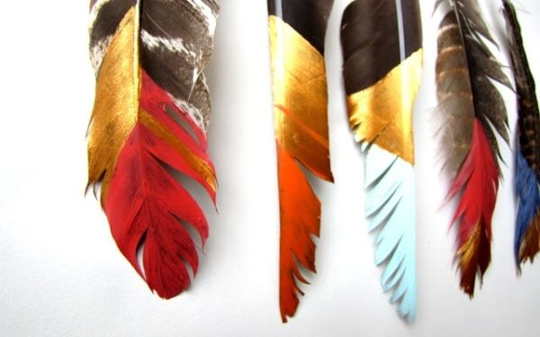DIY painted feather mobile | from Needle and Nest Design Blog