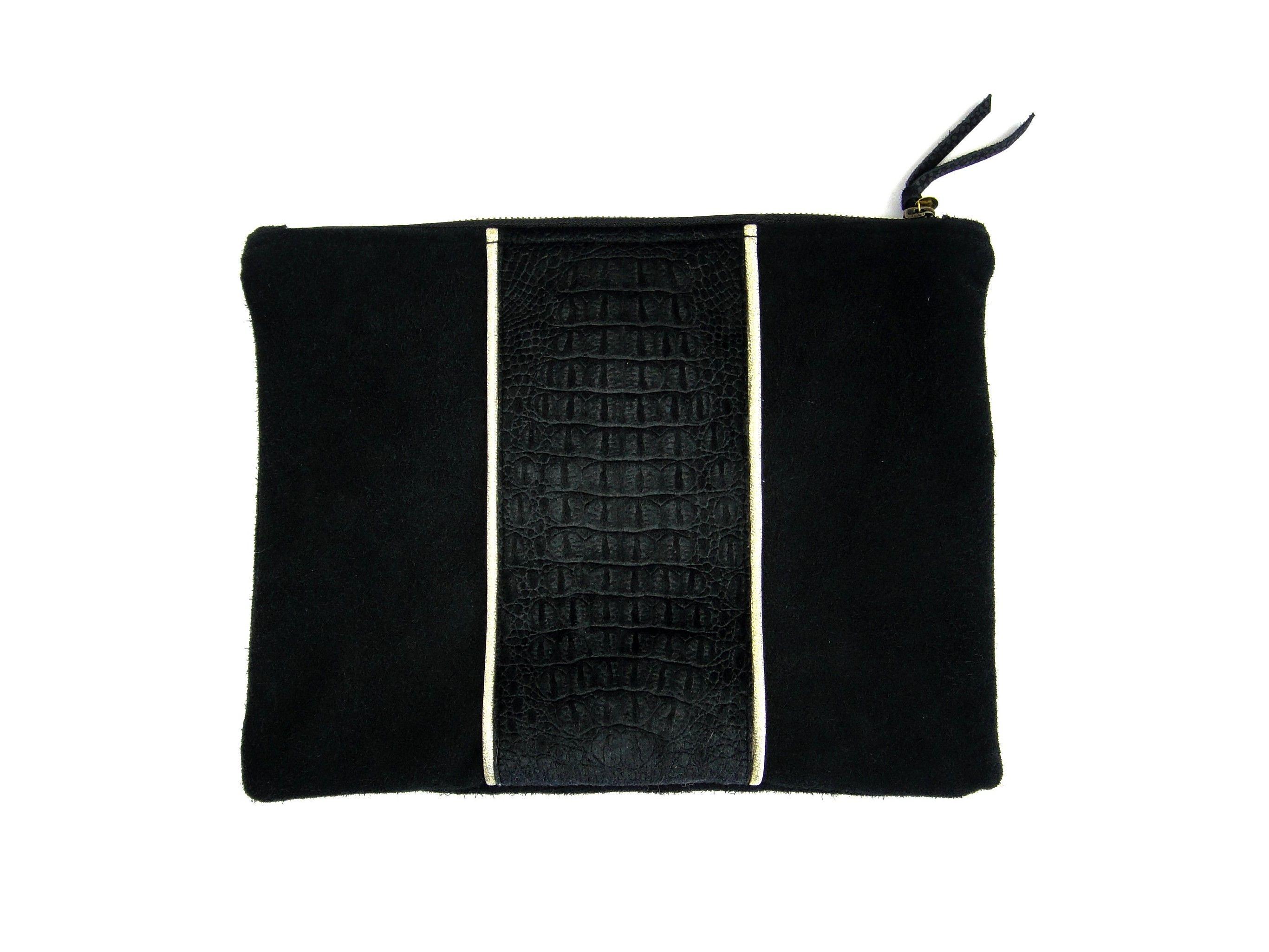 * Pochette en cuir et velours croco * #pochette #cuir #leather #velours #croco #doré #madeinfrance #lesdesinvoltes