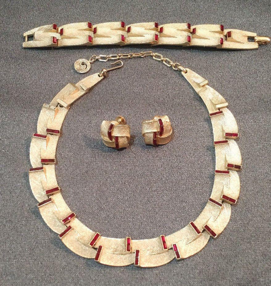Rare vtg lisner red rhinestone textured gold tone necklace bracelet