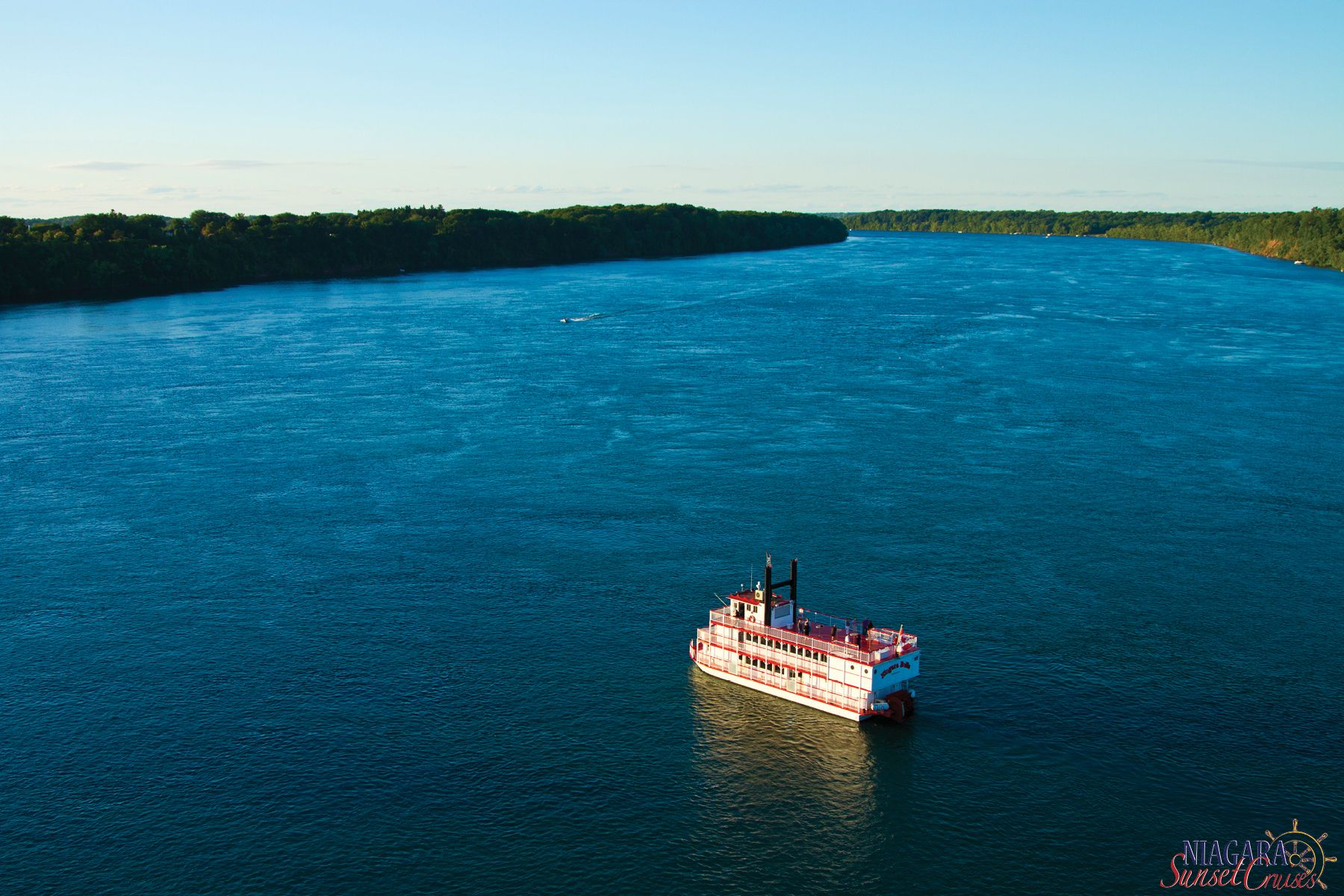 Check out the beauty of the river on the #Niagara Belle.