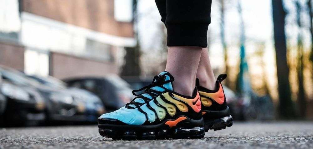 202b86e70e NIKE W AIR VAPORMAX PLUS - BLACK, BLEACHED AQUA & VIVI SULFUR SNEAKERS ALL  SIZES #Nike #RunningShoes