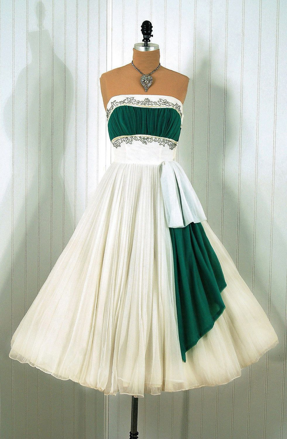 Tinkerbell, omgthatdress: dress 1950s timeless vixen... | Gimme ...