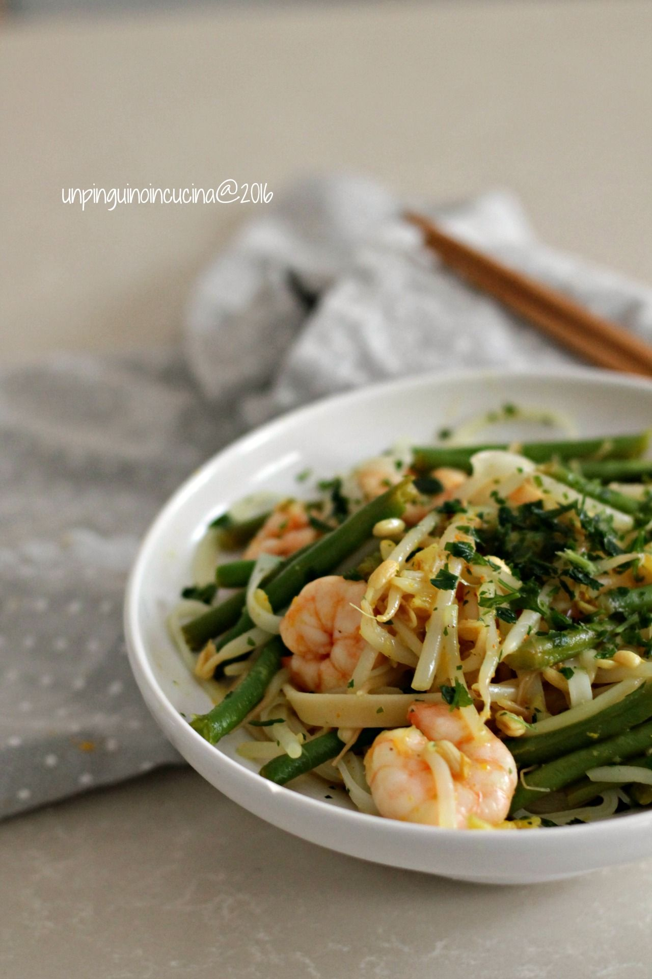 Prawn and ginger noodles noodles con gamberi e zenzero for Cucinare noodles