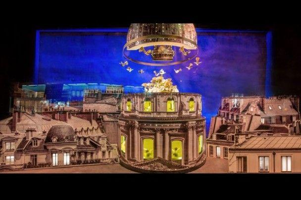 Le Bon Marché brengt in Parijs hulde aan de belangrijkste monumenten van de Rive Gauche. Indrukwekkende maquettes kleden de etalages aan in de Rue de Sèvres, vlakbij het Hôtel des Invalides. Het oudste luxewarenhuis viert zo zijn 160e verjaardag. Le Bon Marché, 24 rue de Sèvres 75006 Paris