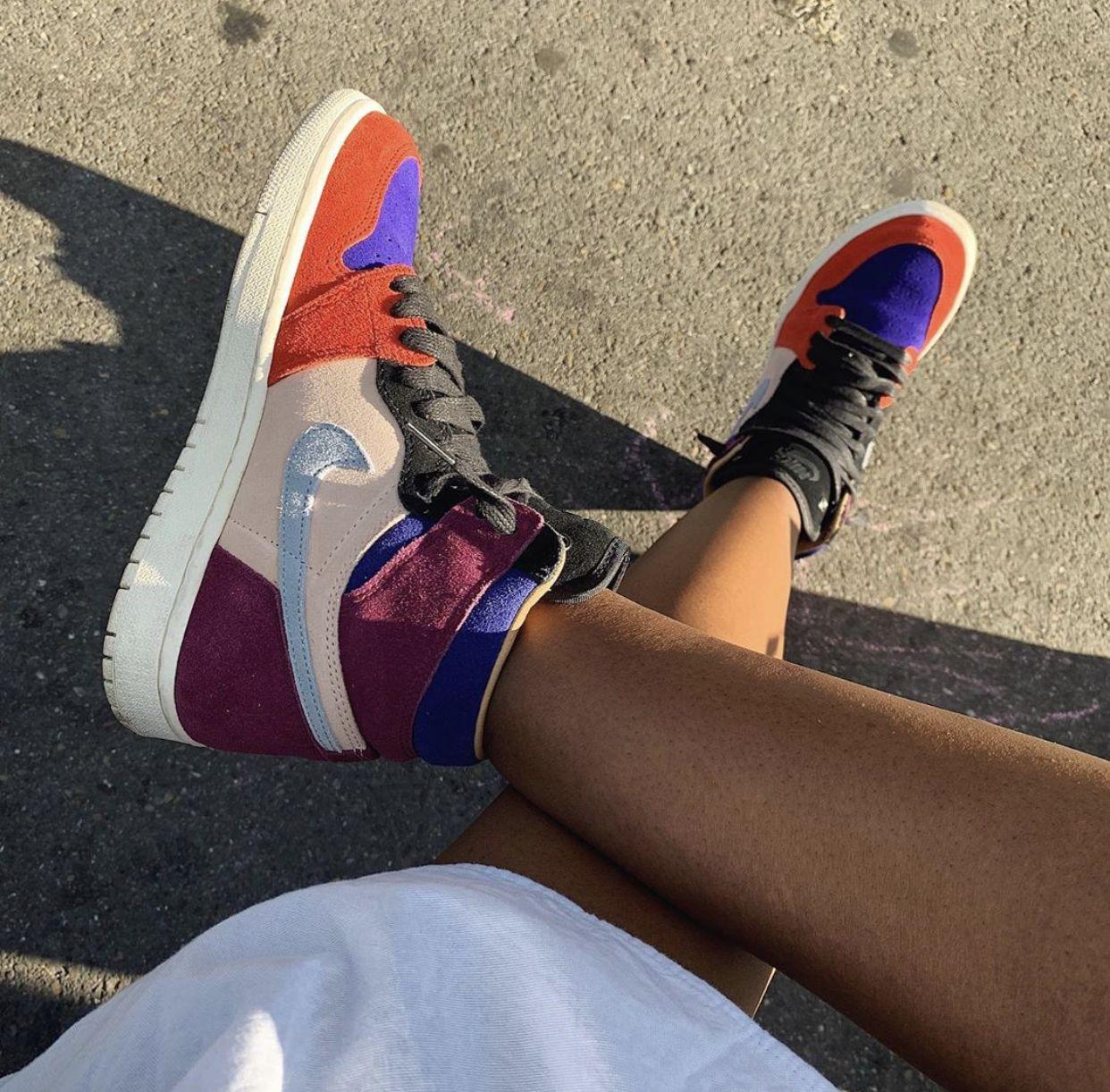 𝔭𝔦𝔫𝔱𝔢𝔯𝔢𝔰𝔱 𝔧𝔬𝔫𝔱𝔞 𝔪𝔦𝔫𝔞𝔧 Beach model, Fresh shoes, Retro