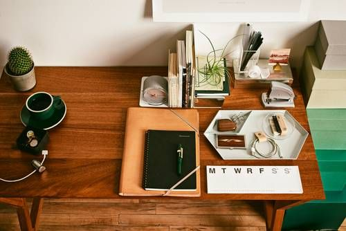 How to create an inspiring personal workspace the office