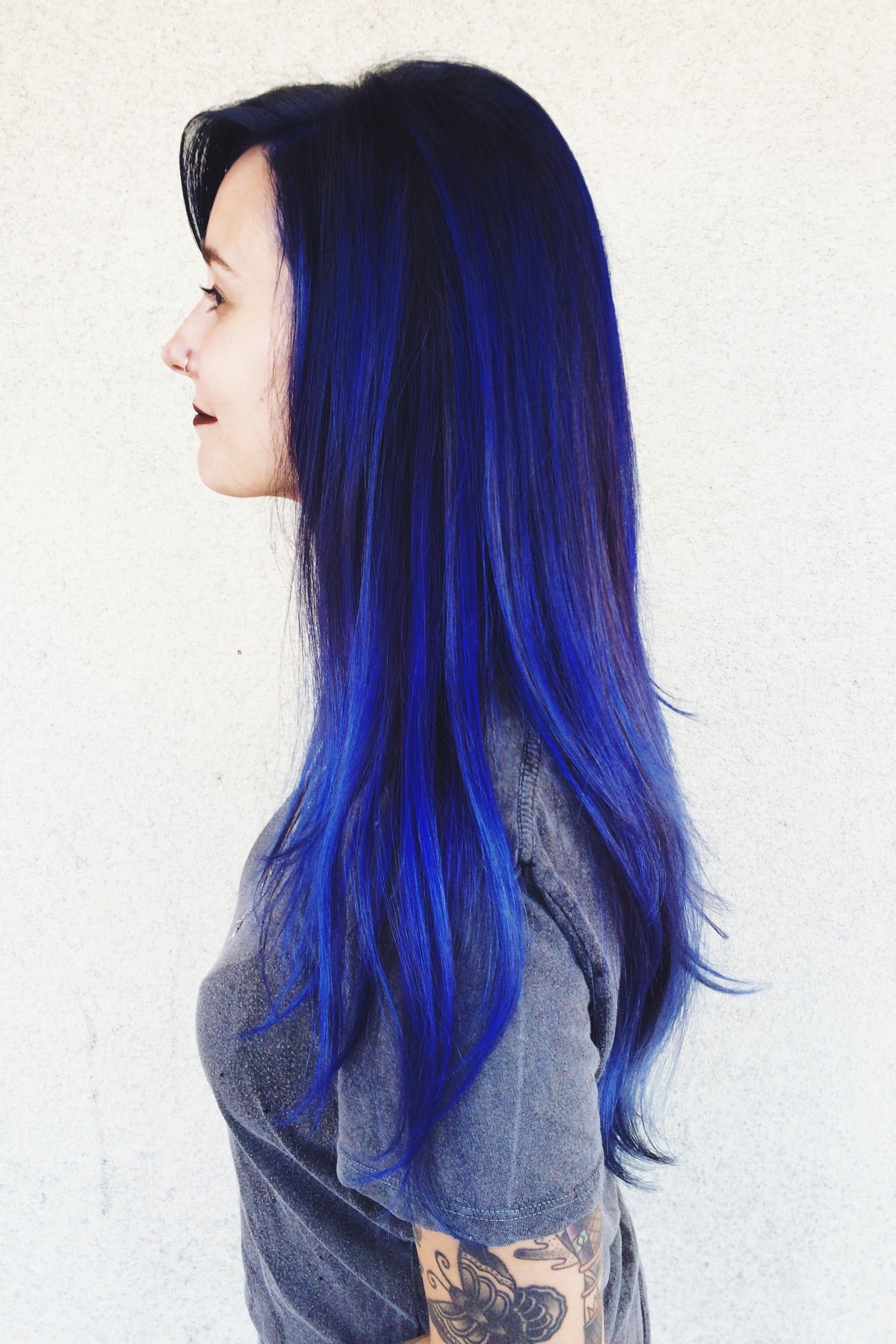 Bright Blue Color Blocking On One Wall And Ceiling: Bright Blue Color Melt Using Pravana.