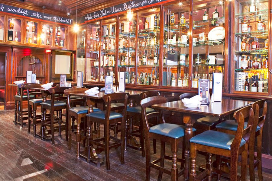 Classic Restaurant Interior Design Of Ri Ra Irish Pub Las Vegas Dark Wood Furnitures