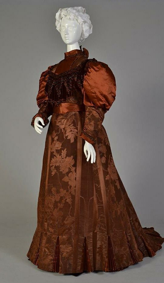1895 Robe de jour #dollvictoriandressstyles