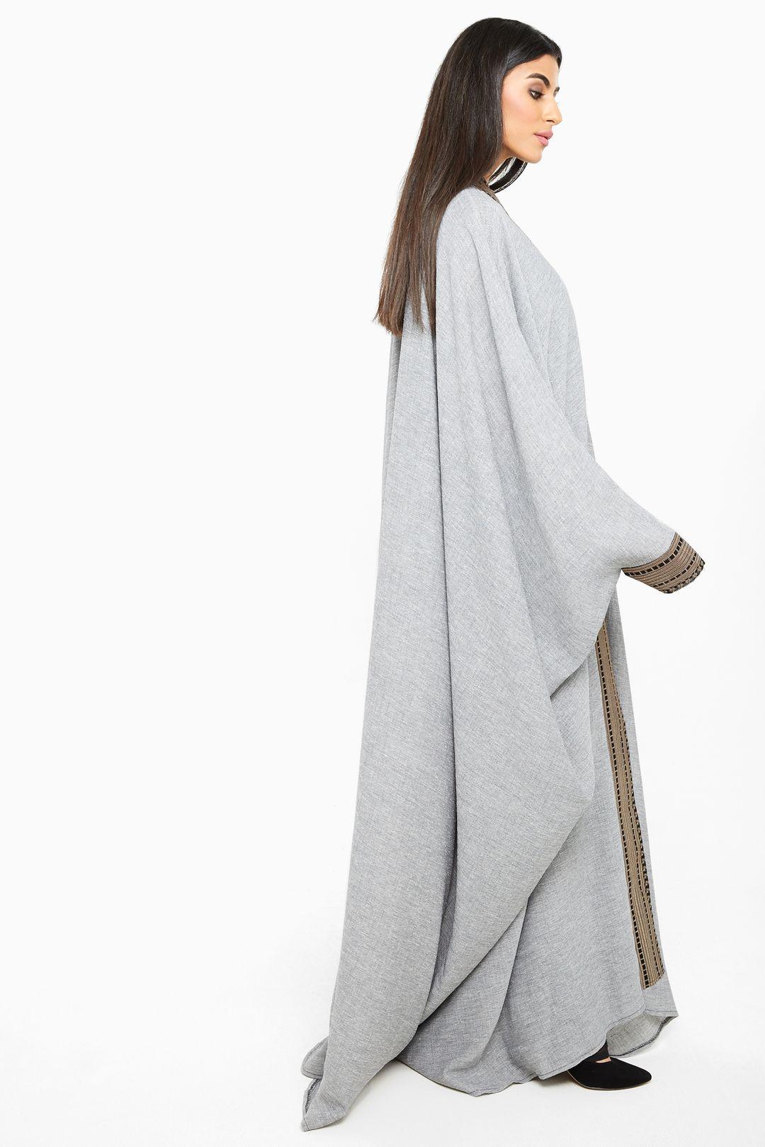 تسوق اون لاين عباية كلاسيكية باللون الرمادي الفاتح نخبه سيدتي مول Style Fashion Sleeve Top