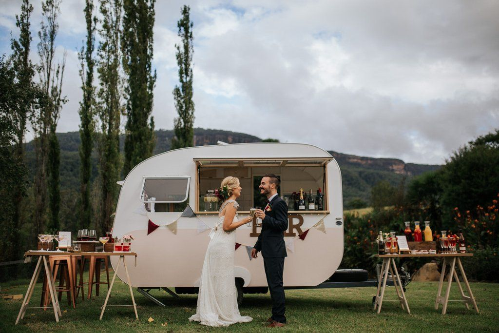 Vintage caravan bar for weddings & events. Based in Sydney & serving Southern Highlands, Blue Mountains & Hunter Valley. BYO service with RSA qualified staff