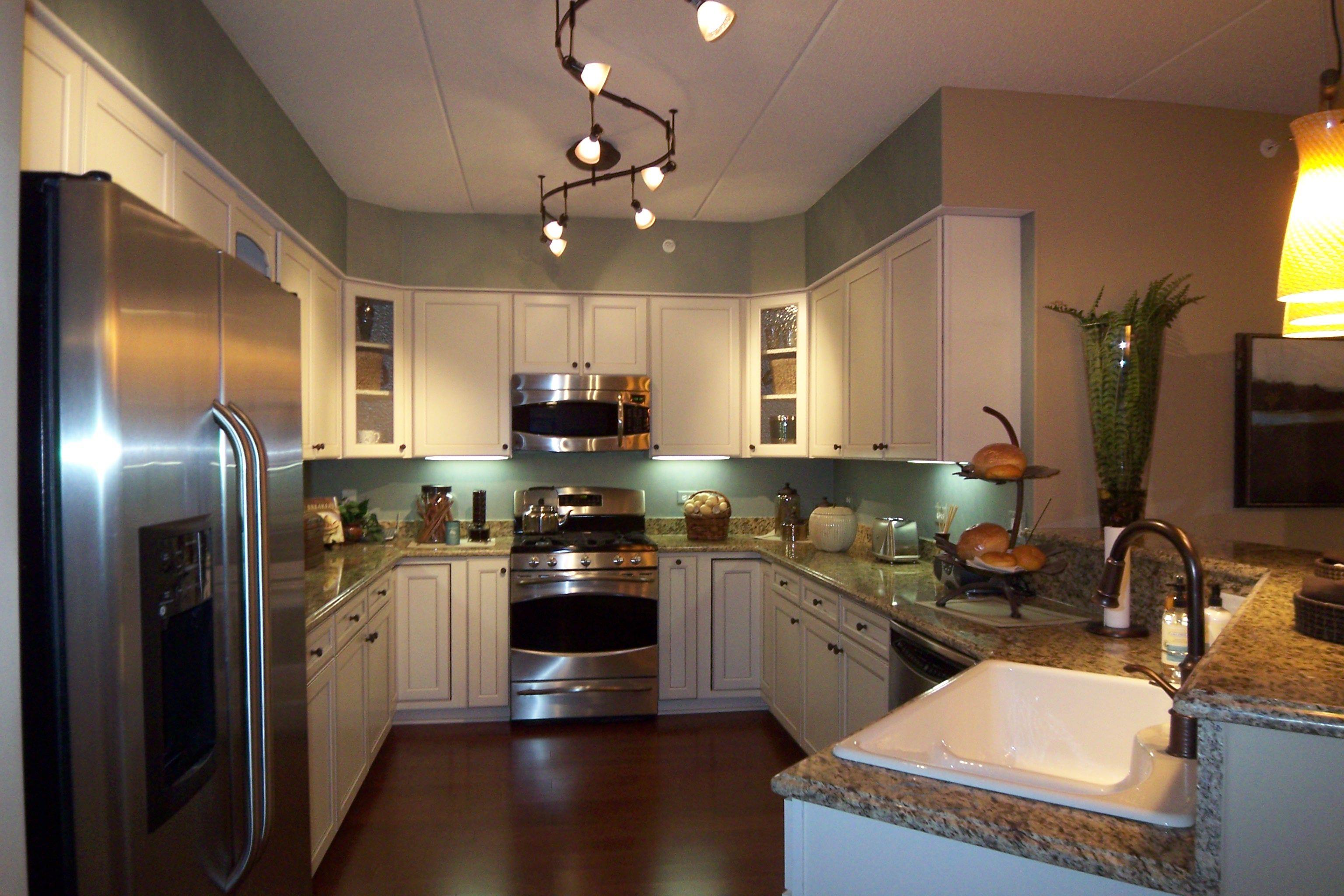 kitchen lighting fixtures track
