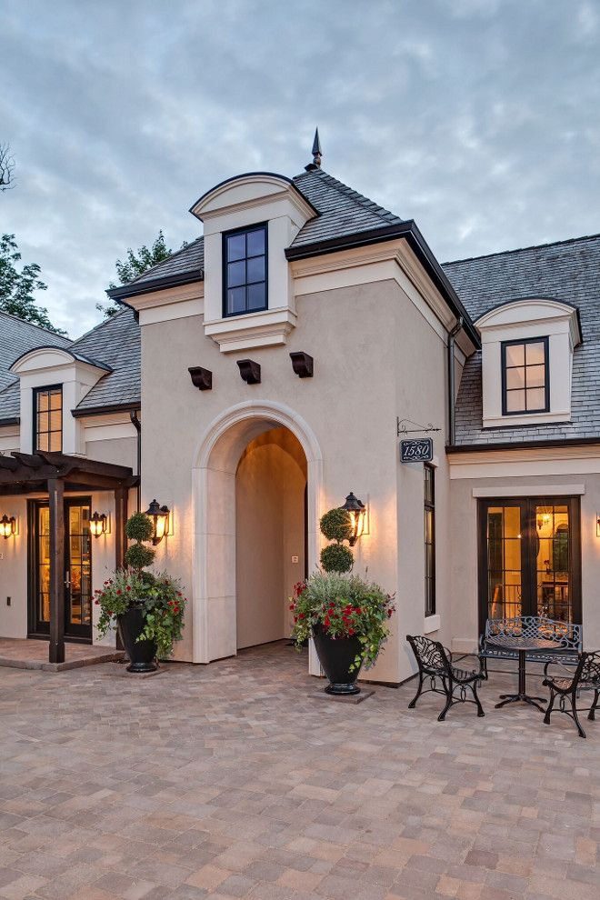 Love the tower stucco in 2019 house design - Country style exterior house colors ...