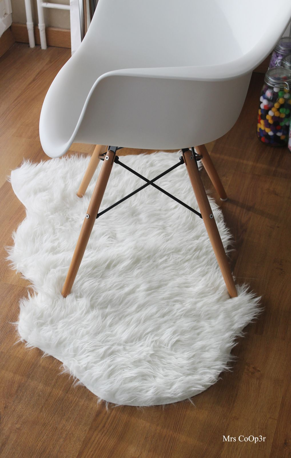 tapis imitation peau de mouton ikea mon chez moi. Black Bedroom Furniture Sets. Home Design Ideas