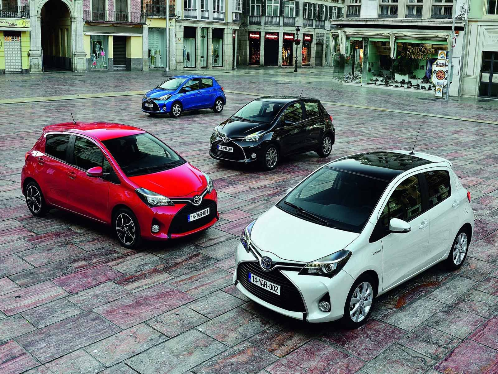 New Toyota Yaris 2015 Free Car Wallpaper Yaris Toyota Best Small Cars