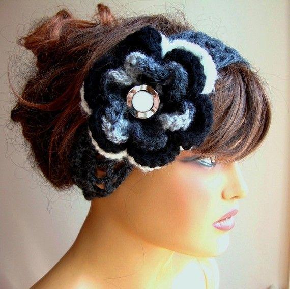 Hand häkeln Stirnband, verziert mit grau schwarz weiße Blume, Winter ...