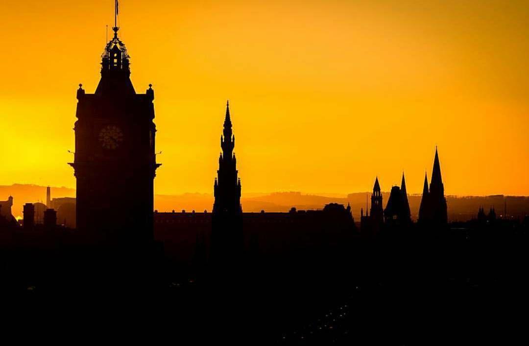 Edinburgh's unmistakable silhouette captured by @hiduncs. #thisisedinburgh #edinphoto #Edinburgh #city #skyline #silhouette #igersedin #igersedinburgh #igersscots #igersscotland #instascots #instascotland #scotland #lovescotland by thisisedinburgh