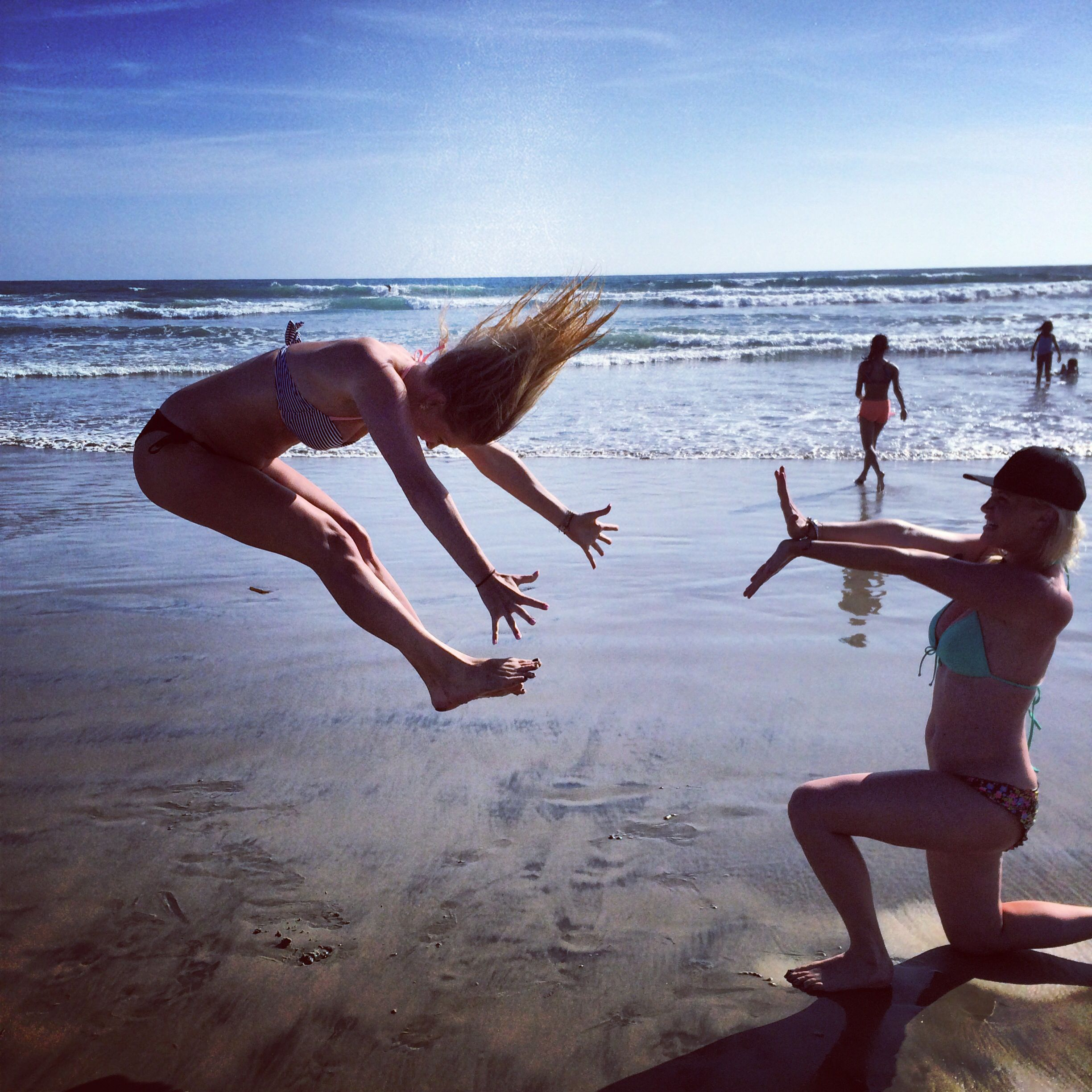 Cool Beach Pictures Funny Pictures To Take With Your Best Friend