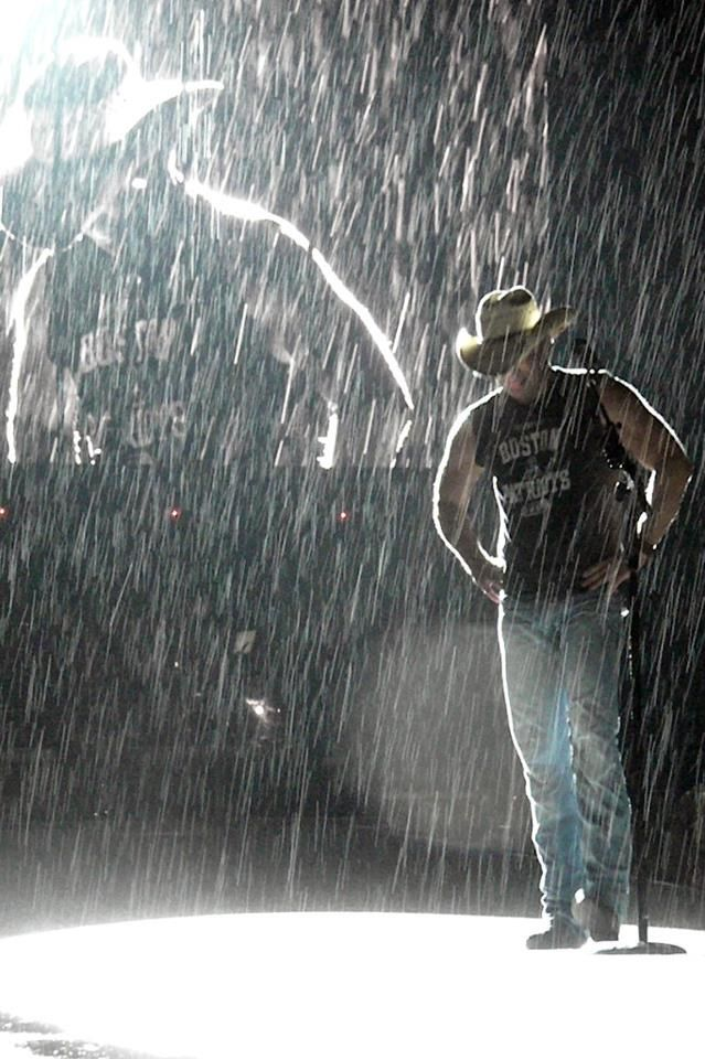 Kenny chesney something sexy about the rain