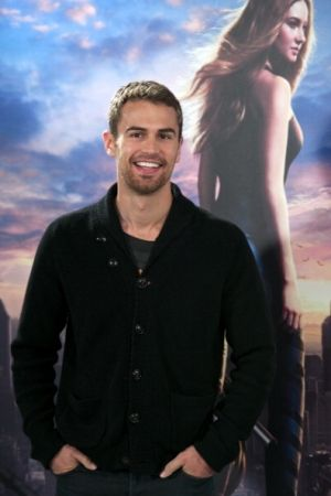 'The Divergent Series: Allegiant' Star Theo James Hints Split From Ruth Kearney, Says They Won't Celebrate Christmas Together : News : Realty Today