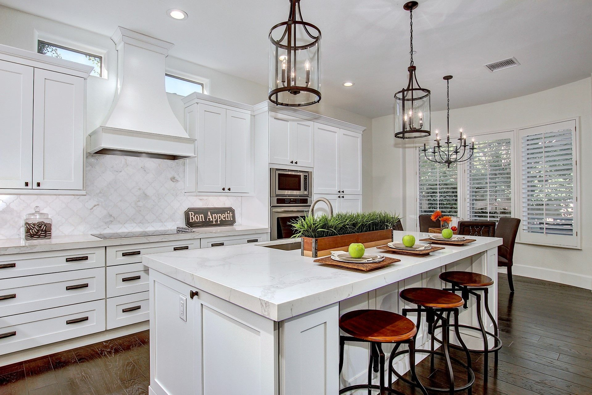 This kitchen includes Sollid Cabinetry\'s White Shaker cabinets with ...