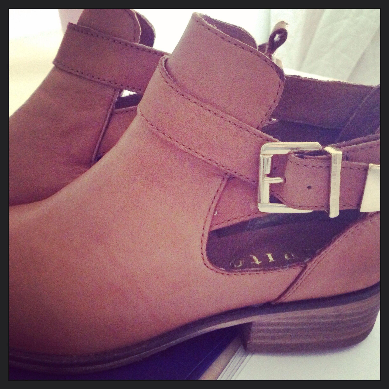 Invito shoes!