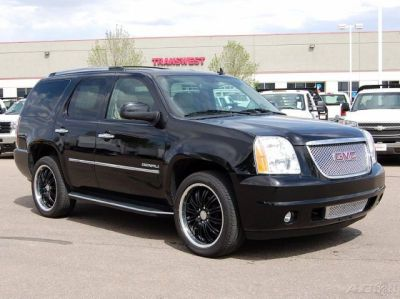 2010 Yukon Denali Xl Wanted To Be Ed Out Like This One W The Black Rims But I Was Shot Down Not Only By My Husband Also S Guy Lol
