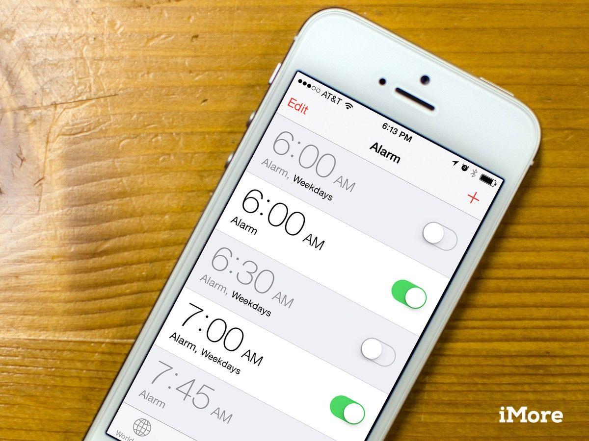 Alarm Clock In Apple Iphone 6s Iphone Alarm App Phone
