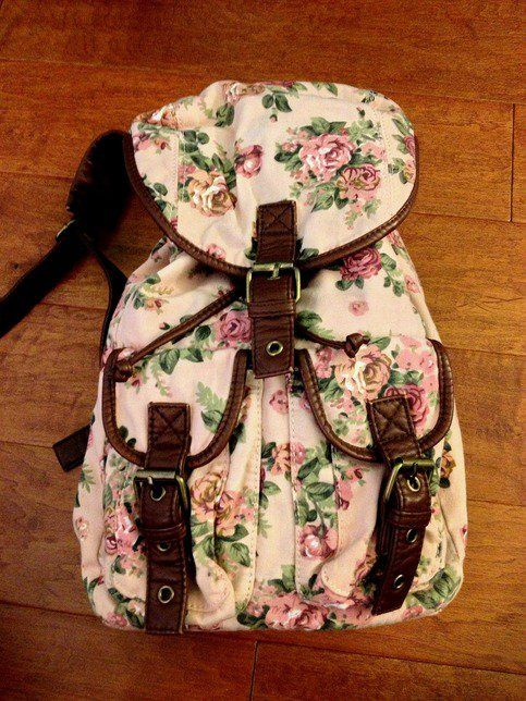 Forever 21 Floral Mini Backpack want this sooo bad!