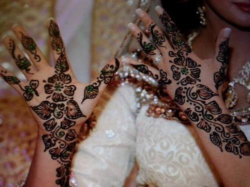 صور نقوش حناء عرايس 2015 نقش حنه جديد نقش حناء عرايس ناعم Henna Hand Tattoo Hand Tattoos Henna
