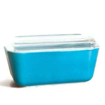 Pyrex Refrigerator Dish with Lid Primary Blue by WeeLambieVintage