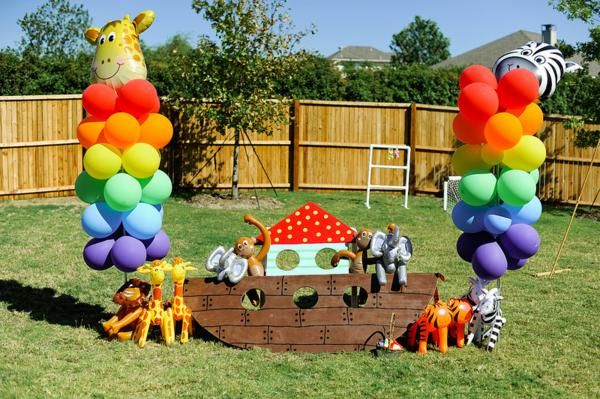 Noah s ark themed twins birthday party great ideas for Noah s ark decorations