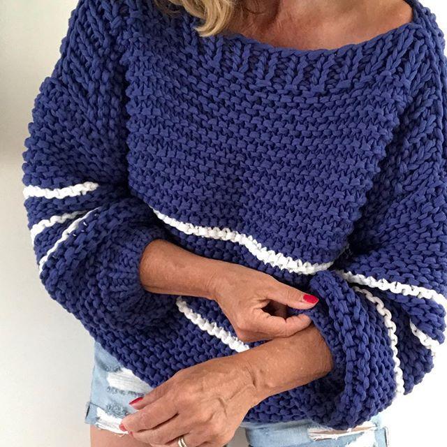 Aller...allerlaatste sale dag! Pak je kans op vrijdag de 13de 😳 . #sale #onlyfewleft #lastday #friday13th #knitwear #handmade #uniquepieces…