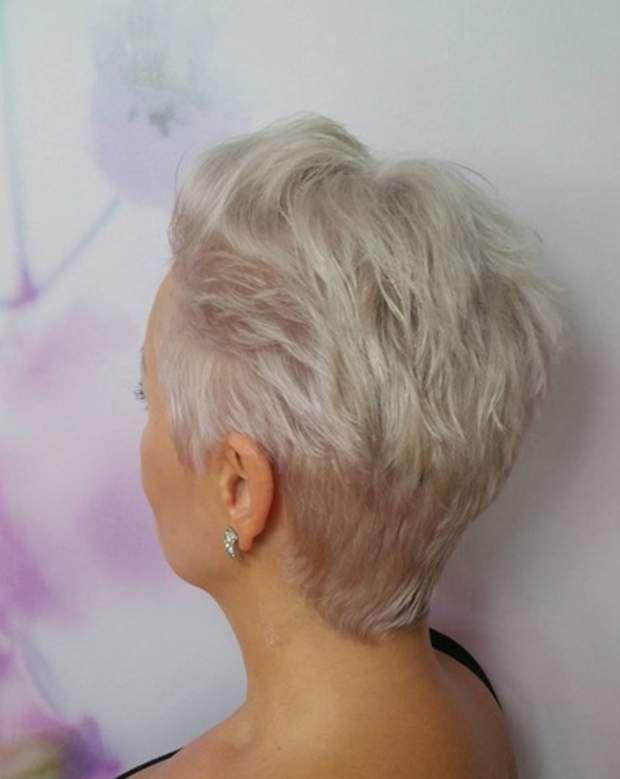 20 idées de coupes et coiffures pour cheveux blancs (avec images) | Cheveux courts blancs ...
